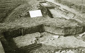 The foundations of a small tower of the front-castle of Nieuwburg Castle.